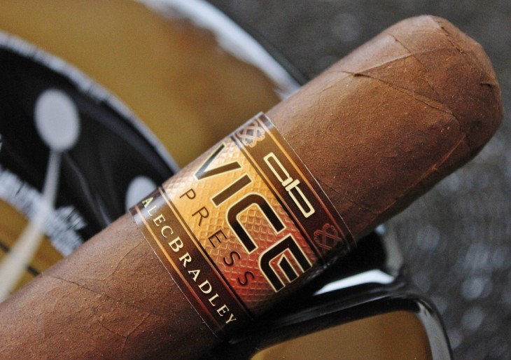 Alec Bradley Vice Press 6T4