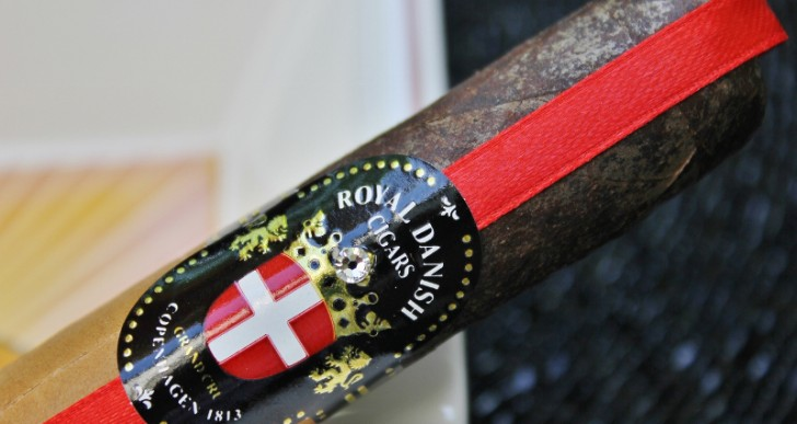 Royal Danish Cigars Regal Blend Dark Crown