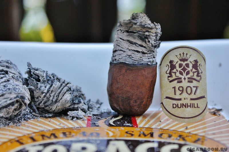 Dunhill 1907 Toro Pressed