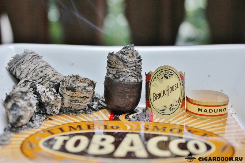 Brick House Maduro Robusto_7