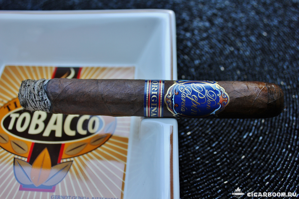 Don Pepin Garcia Blue Label Maduro Limited Edition Toro_3