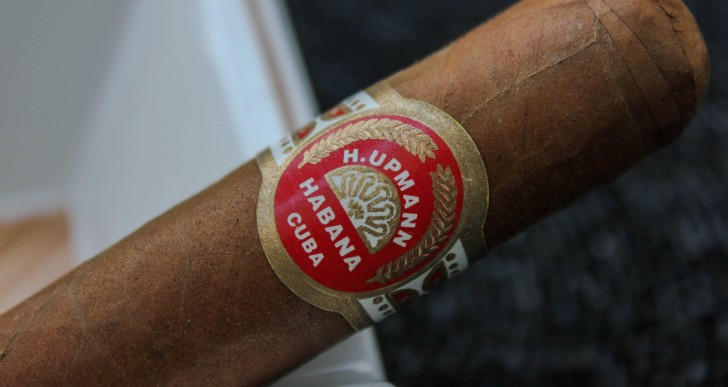 H.Upmann Robusto Travel Humidor 2007