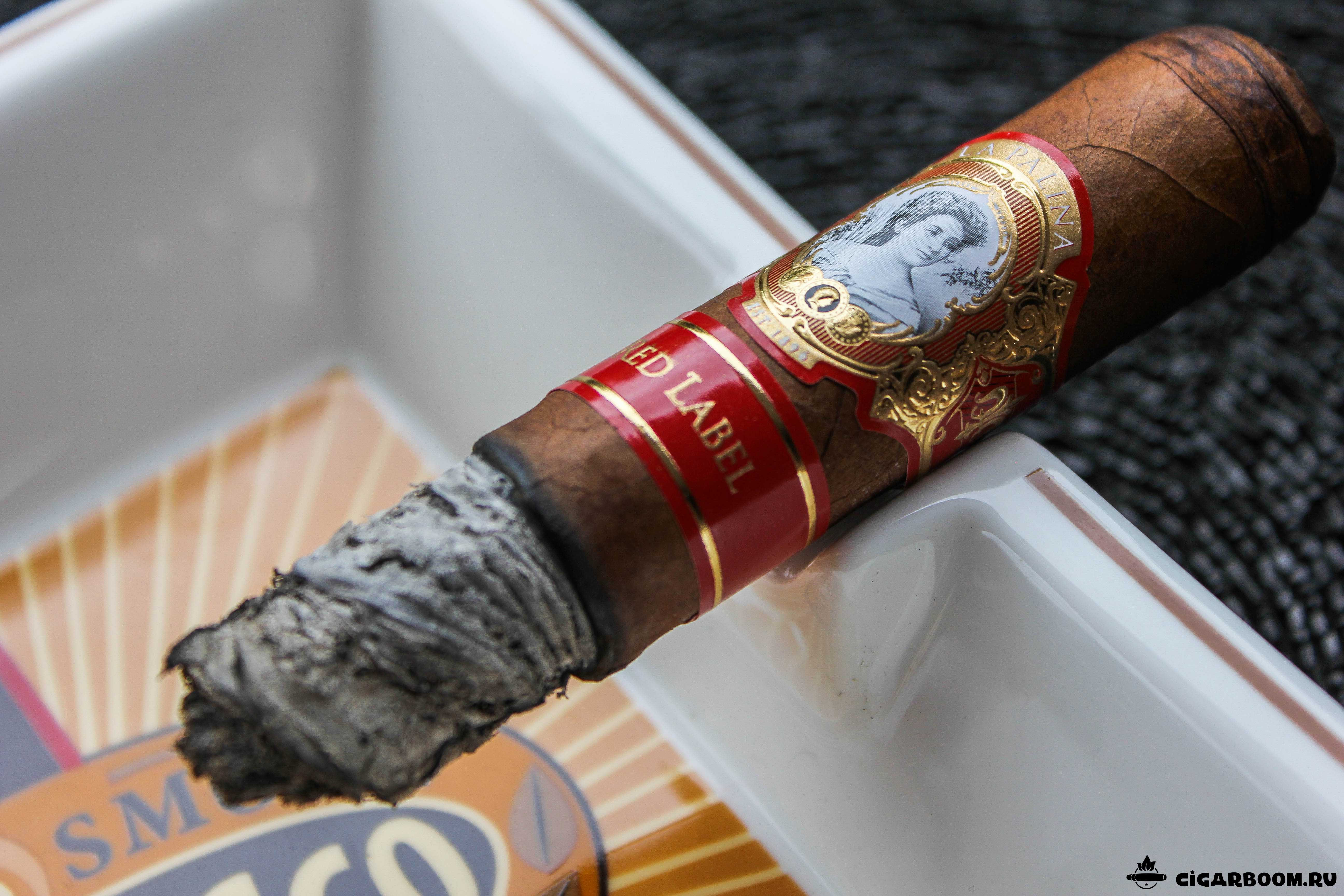 La-Palina-Red-Label-Robusto_4